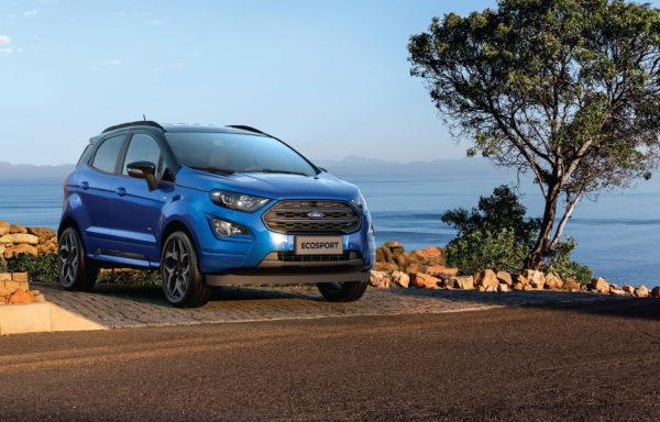 Ford EcoSport på græs