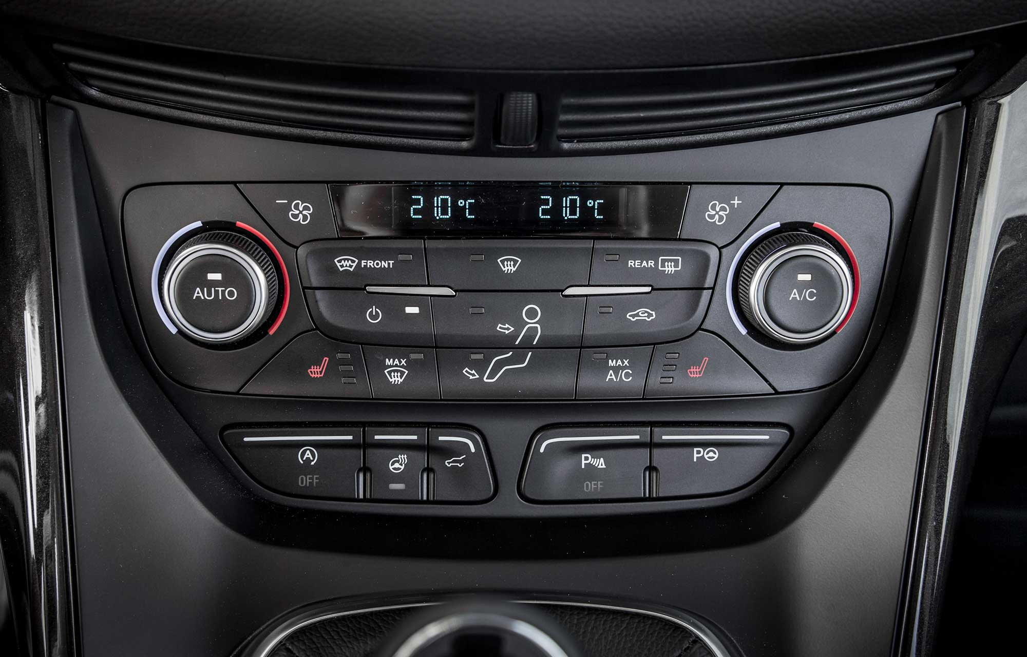 Ford Kuga interiør 2