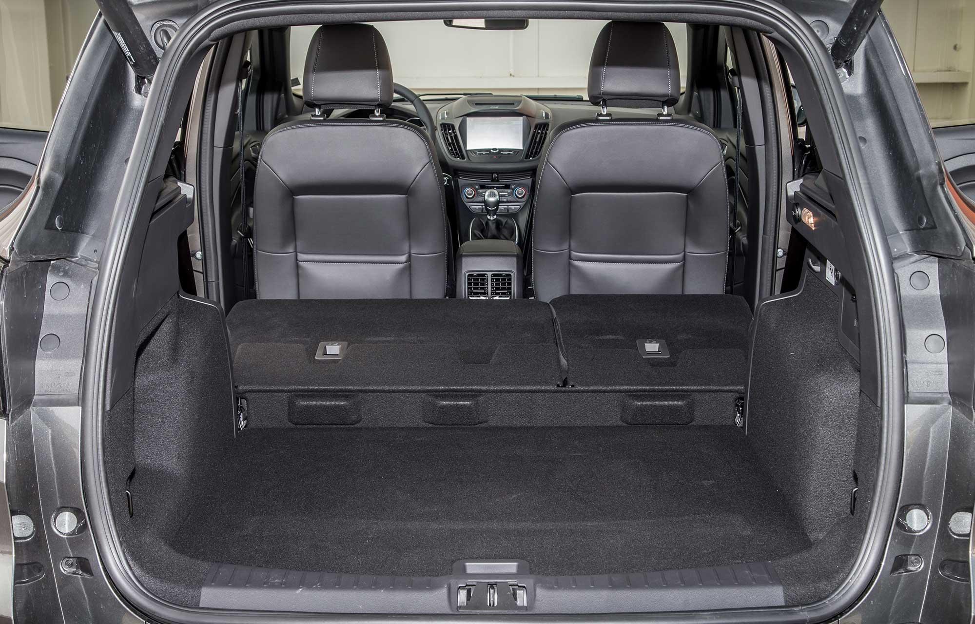 Ford Kuga interiør bagagerum