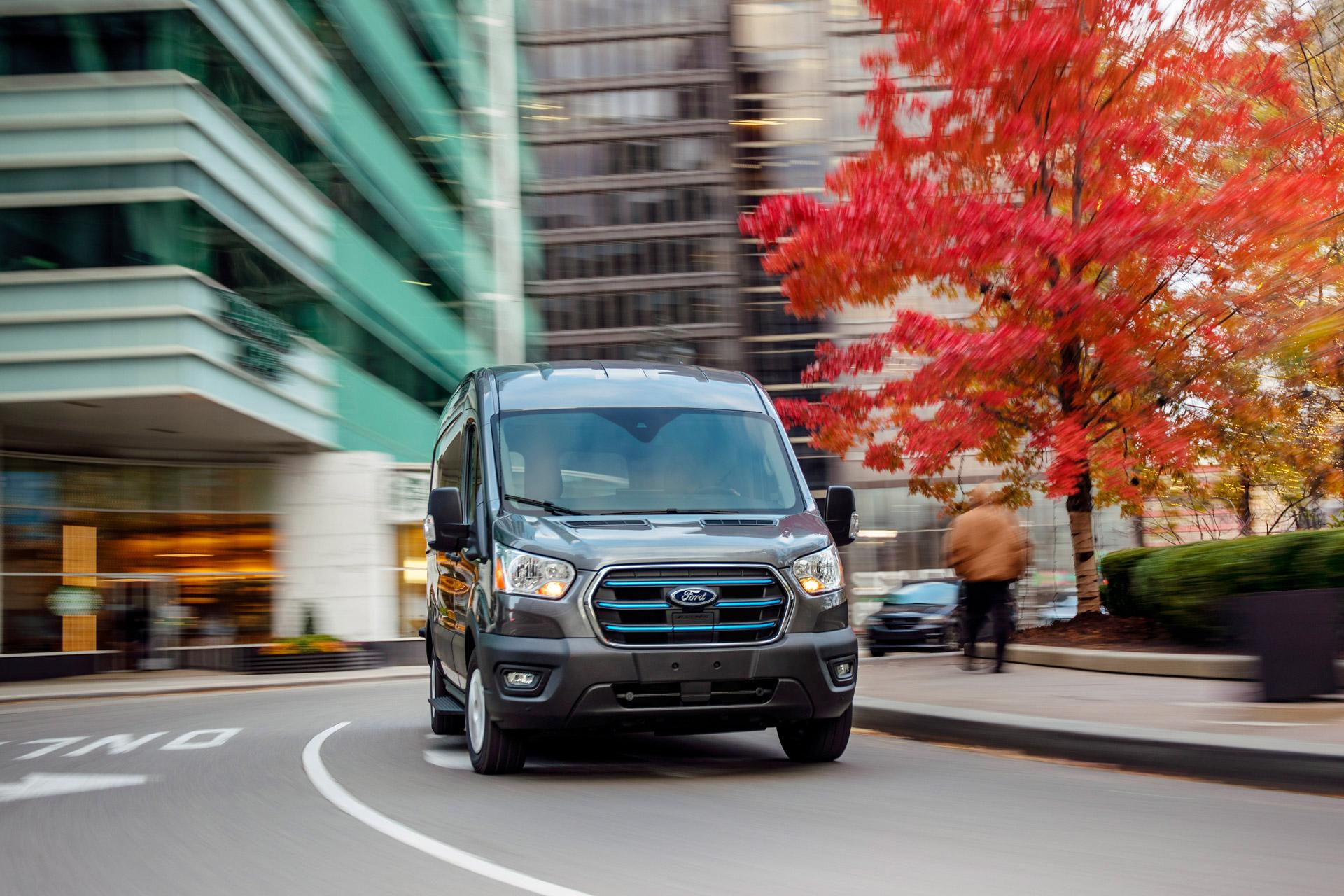 Ford E-Transit på vejen