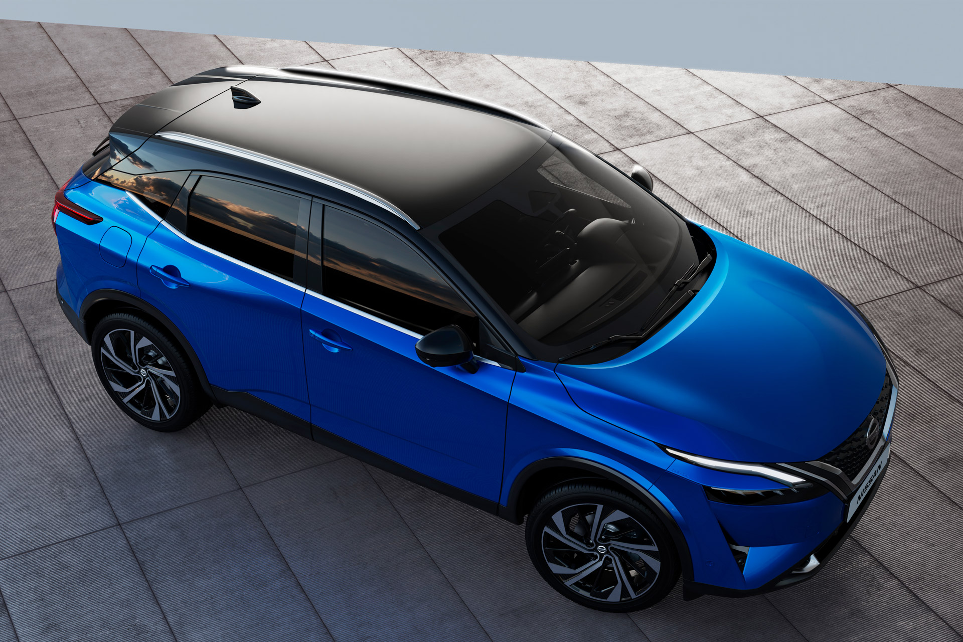 Nissan Qashqai 2021 set fra oven
