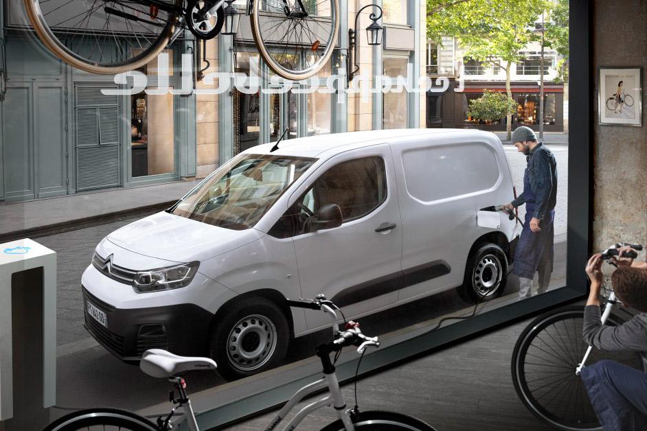 Citroën ë-Berlingo Van i gang med at blive opladet