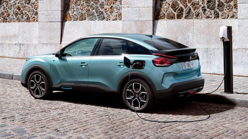Citroën ë-C4 ved ladestander