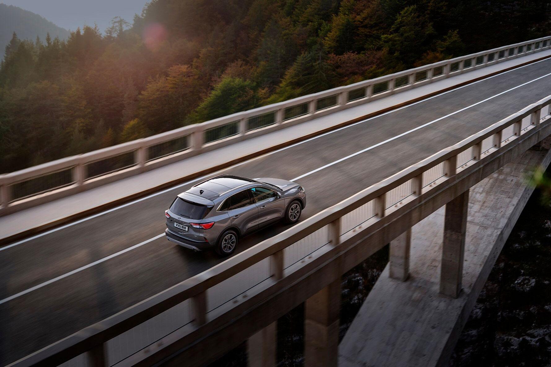 Ford Kuga over bro