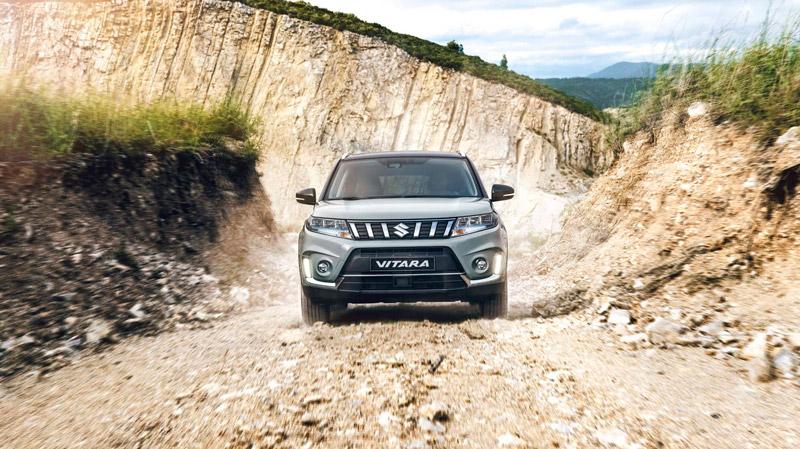 Suzuki Vitara på grusstien