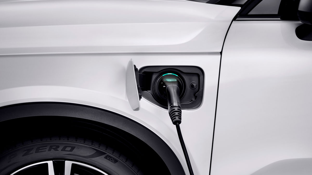 XC40 Plug-In Hybrid med opladeren i