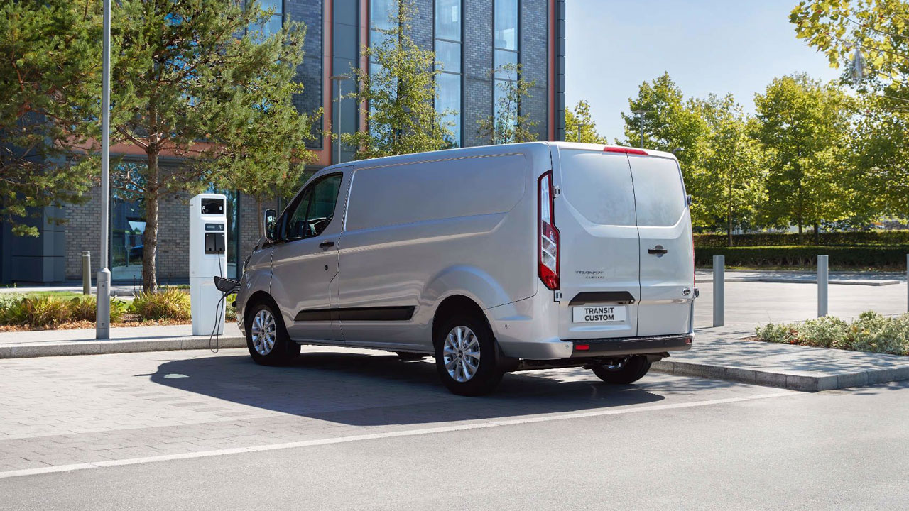Ford Transit Custom PHEV bagfra