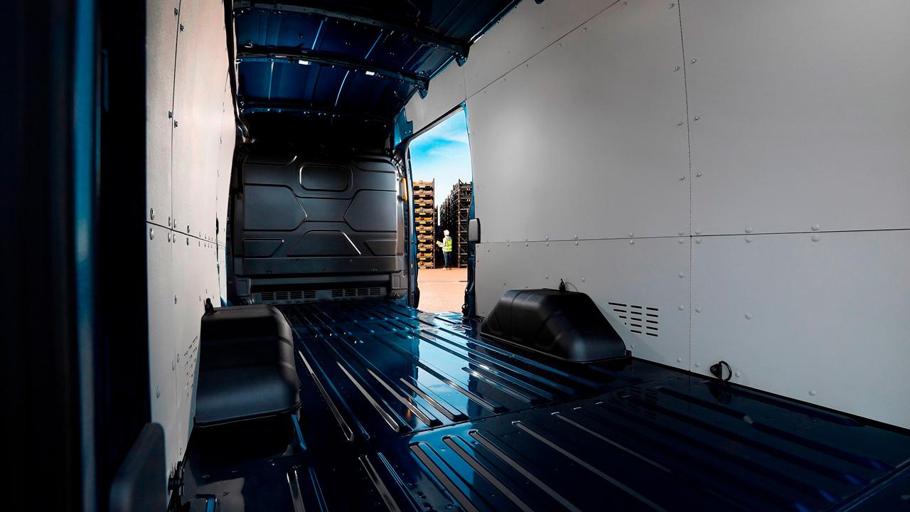 Ford Transit Van indvendigt 2